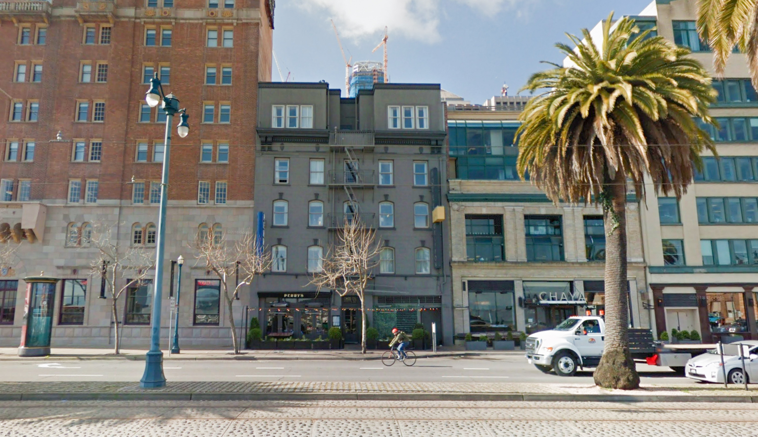 155 Steuart Street with the Salesforce Building near its peak, pictures in 2017 via Google Street View