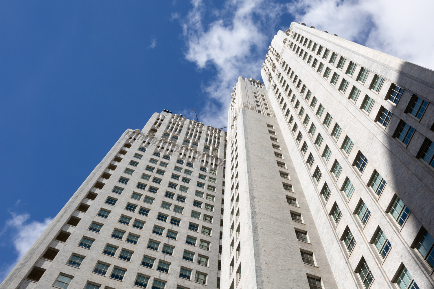 140 New Montgomery Street viewed from below, image by Andrew Campbell Nelson