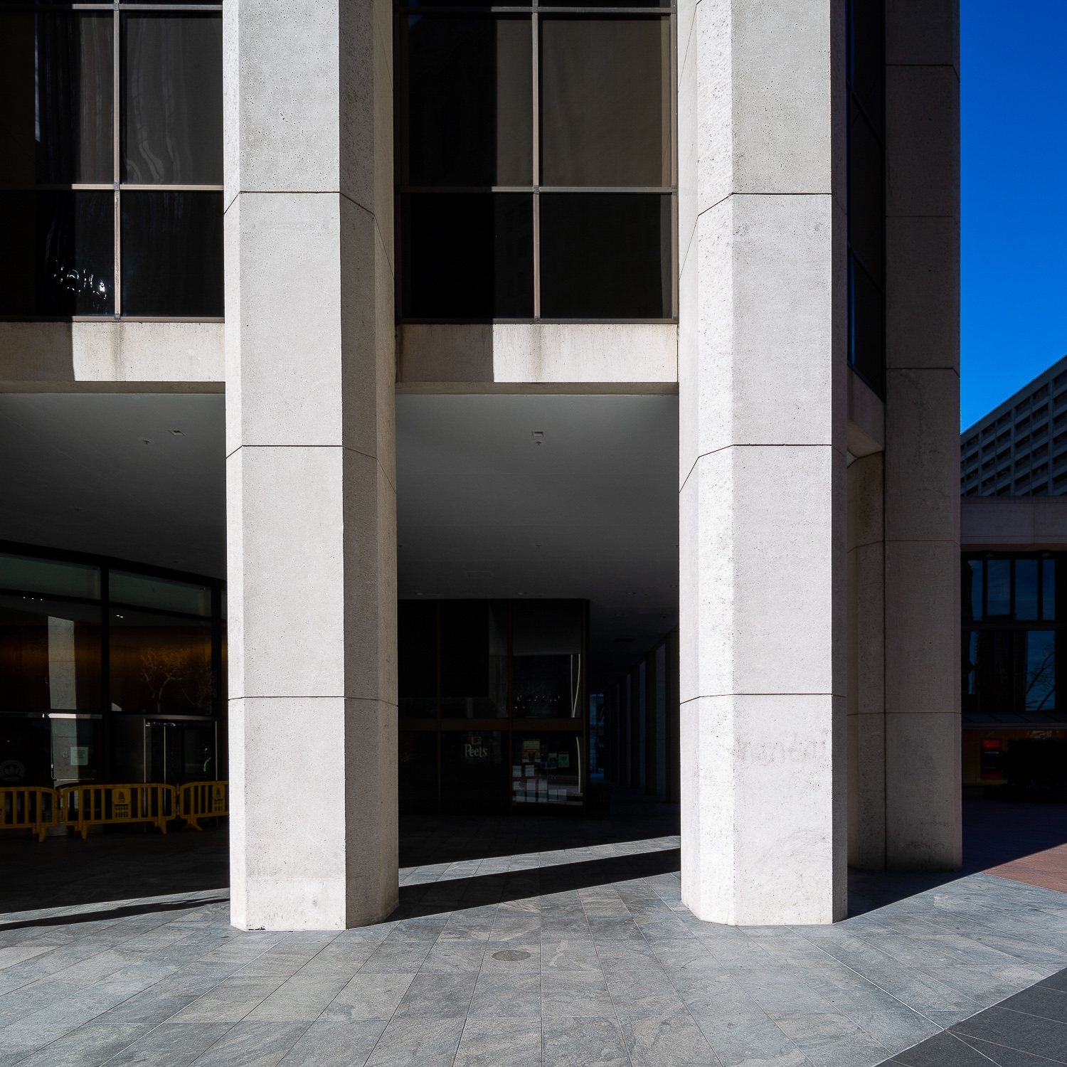 One California Street concrete pillars, image by Andrew Campbell Nelson