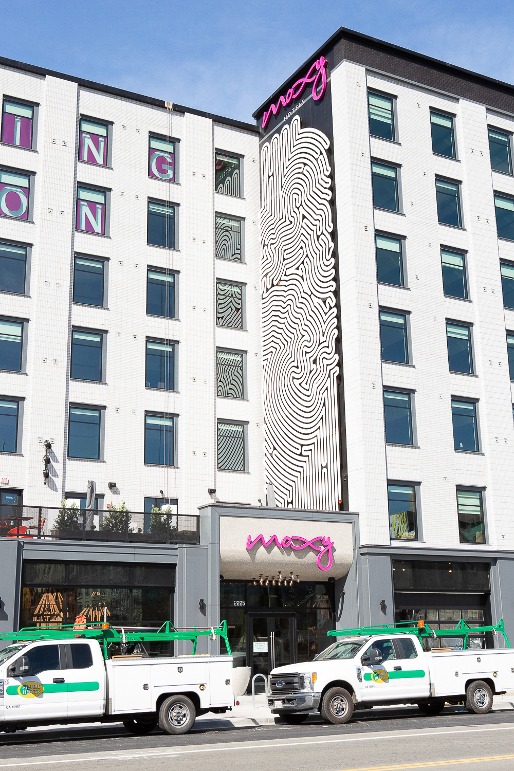 Moxy Hotel at 2225 Telegraph Avenue art mural closeup, image by Andrew Campbell Nelson