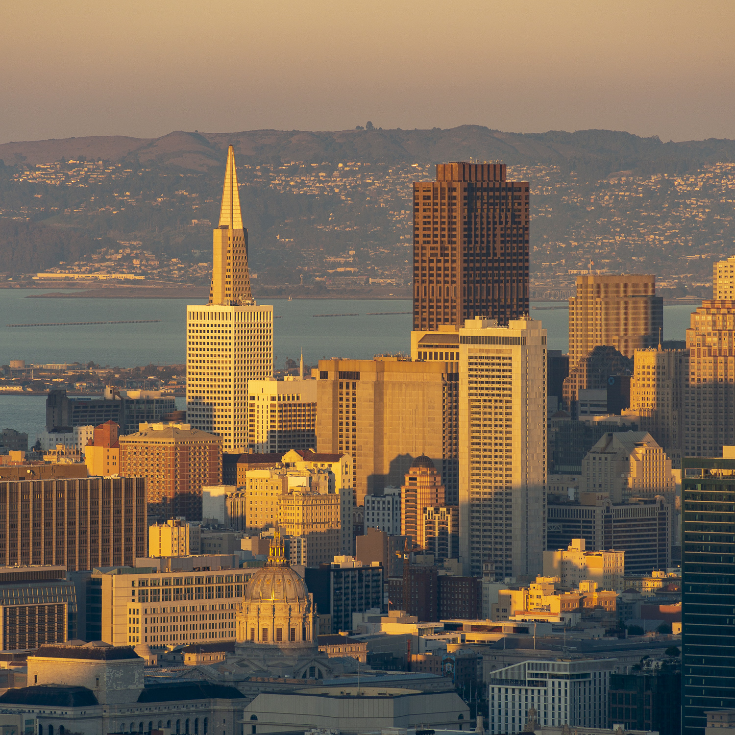 650 California Street seen below the Transamerica Pyramid, image from Twin Peaks, image by Andrew Campbell Nelson