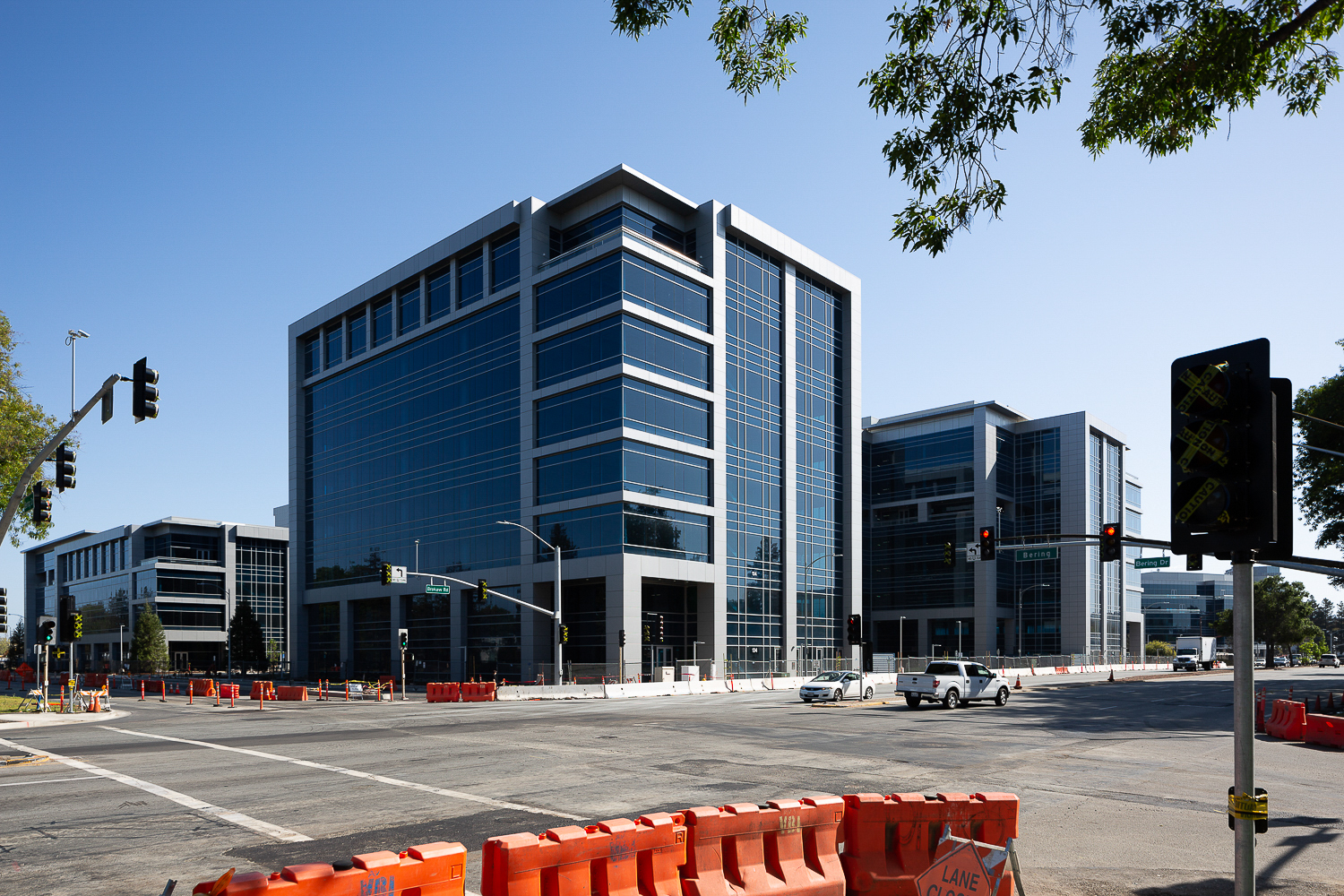 Brokaw Offices Building B (right) C (center) and D (left), image by Andrew Campbell Nelson