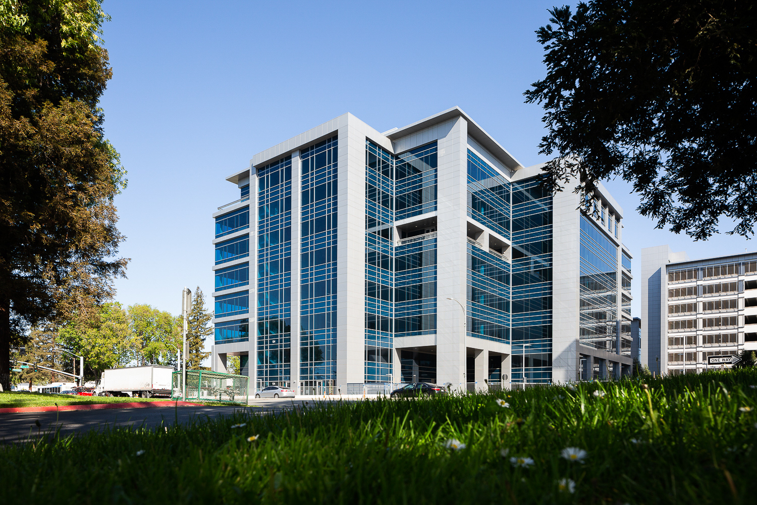 Brokaw Offices Building C with facade installation complete, image by Andrew Campbell Nelson