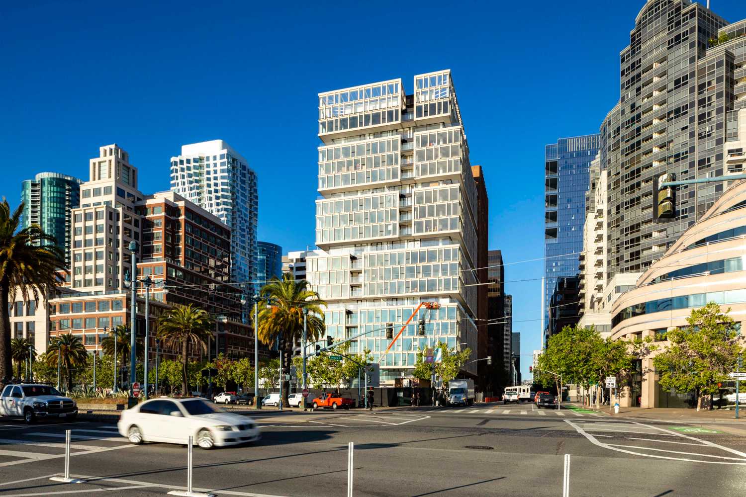 One Steuart Lane from across the Embarcadero with MIRA in the background, image by Andrew Campbell Nelson
