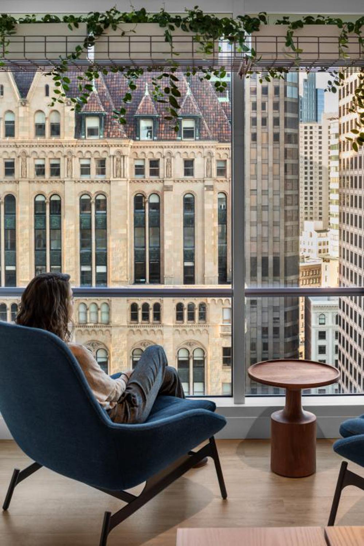 333 Bush Street interior lounge view, image courtesy Tishman Speyer