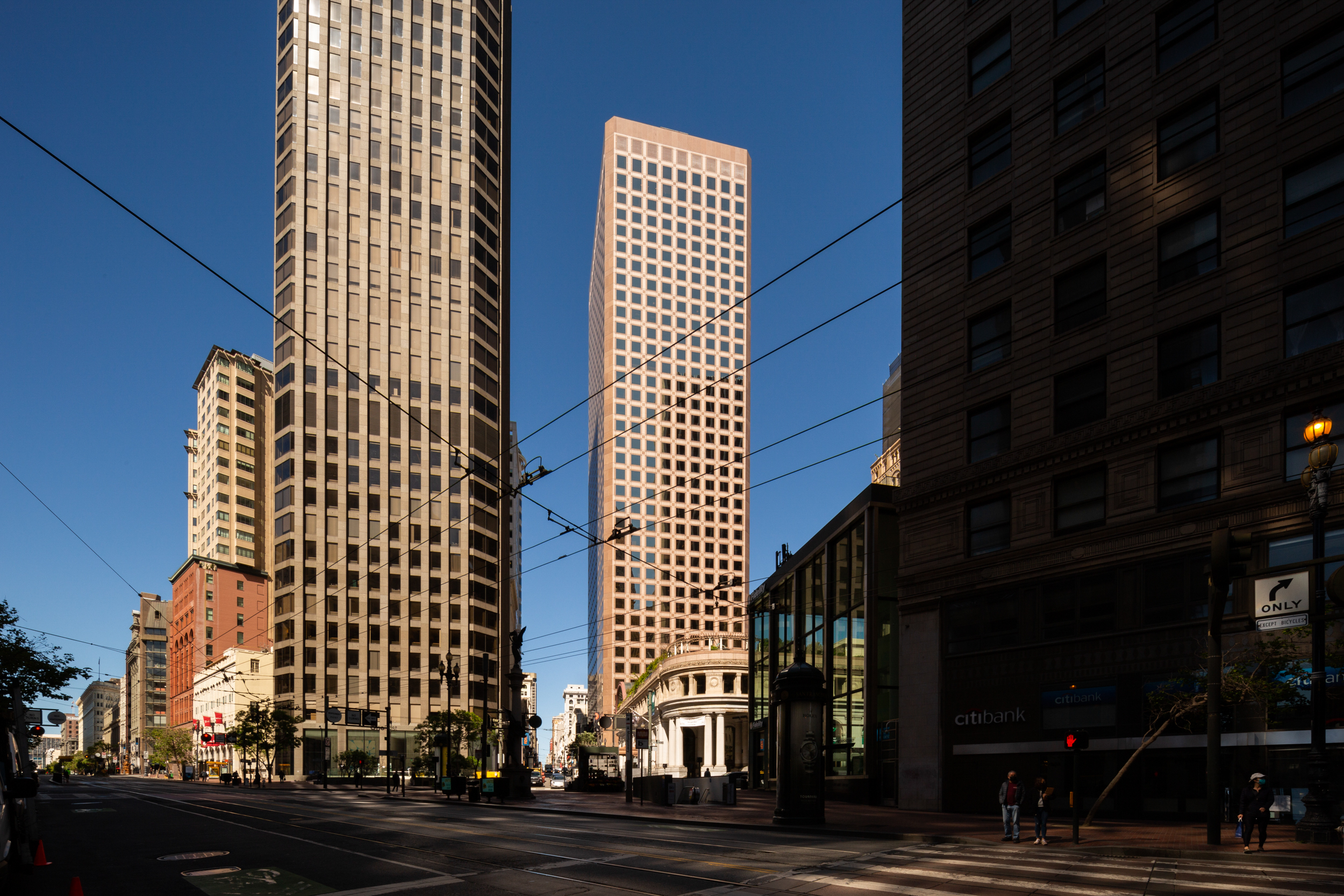 One Montgomery Tower at 120 Kearny Street from Market Street, image by Andrew Campbell Nelson