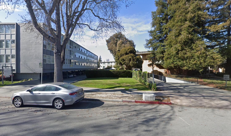 1412 Bellevue Avenue beside 1418 Bellevue Avenue, image via Google Street View