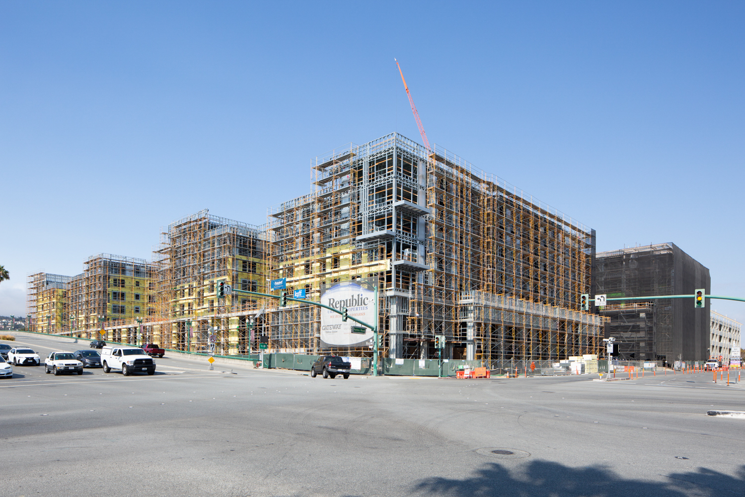 Gateway at Millbrae Parcel 5B under construction, image by Andrew Campbell Nelson