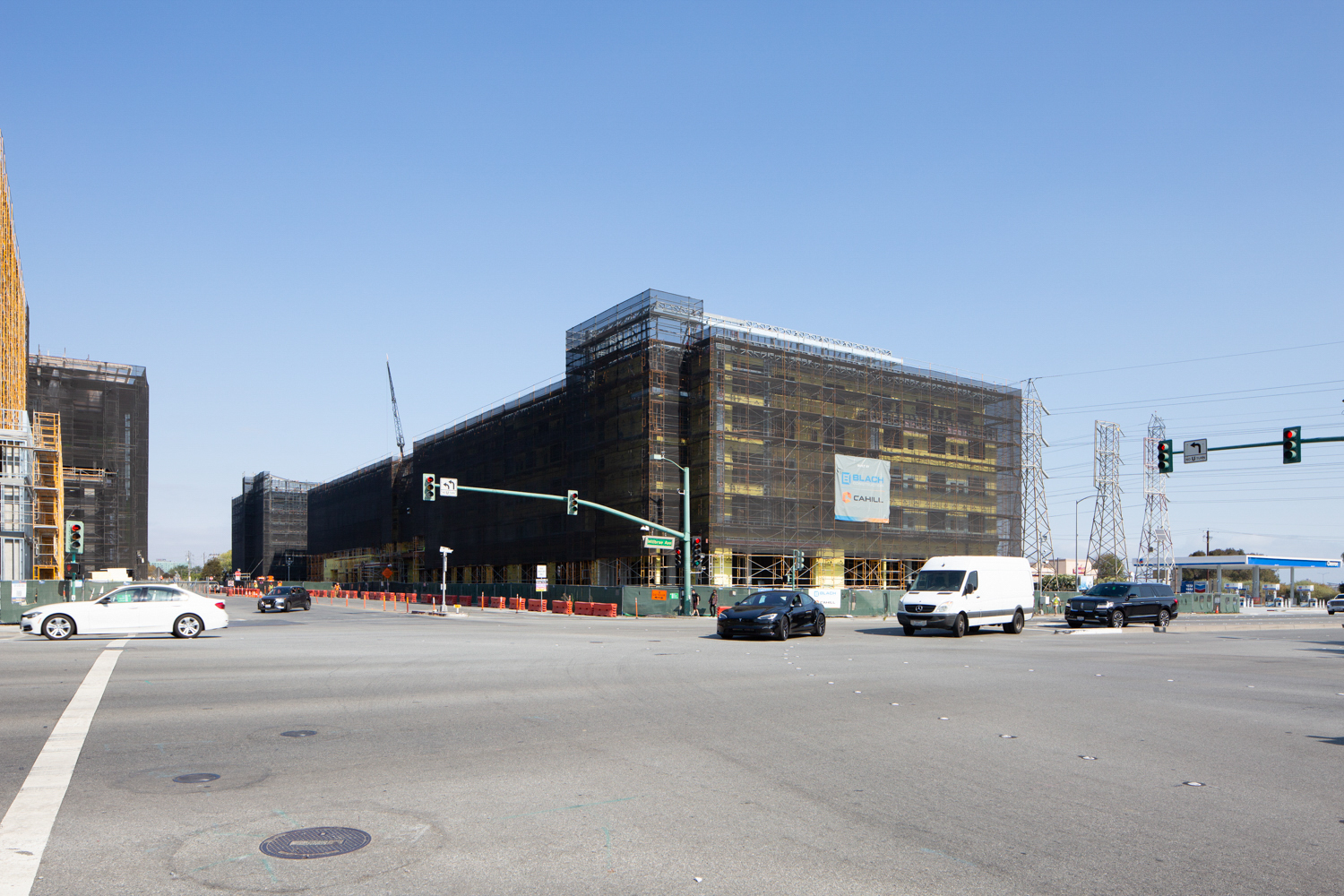 Gateway at Millbrae hotel construction, image by Andrew Campbell Nelson